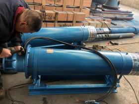 两台45KW卧式潜水泵发往上海